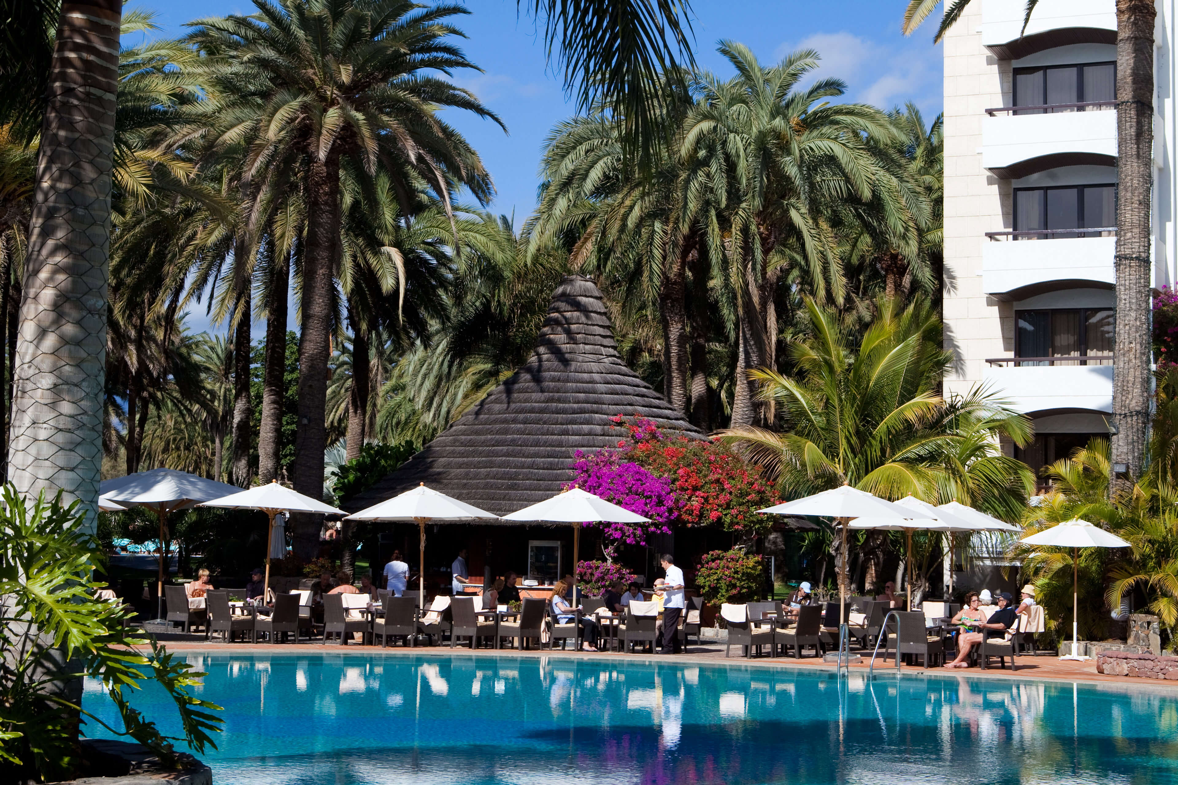 Bar Africano serves its food and beverages next to the pool