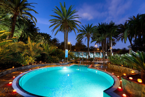 Relax and unwind in one of the five pools at this Gran Canaria beach resort