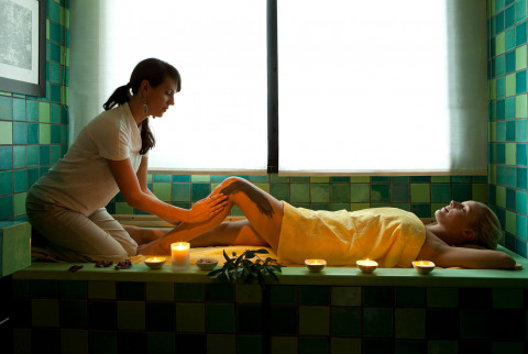 Put yourself in expert hands for your treatment or massage at our spa hotel in Gran Canaria