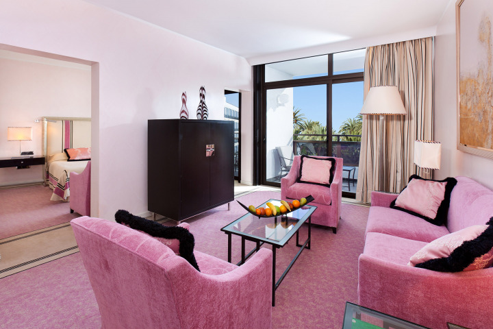 Our luxury designer hotel rooms in Maspalomas include this fabulous pink-themed Master suite