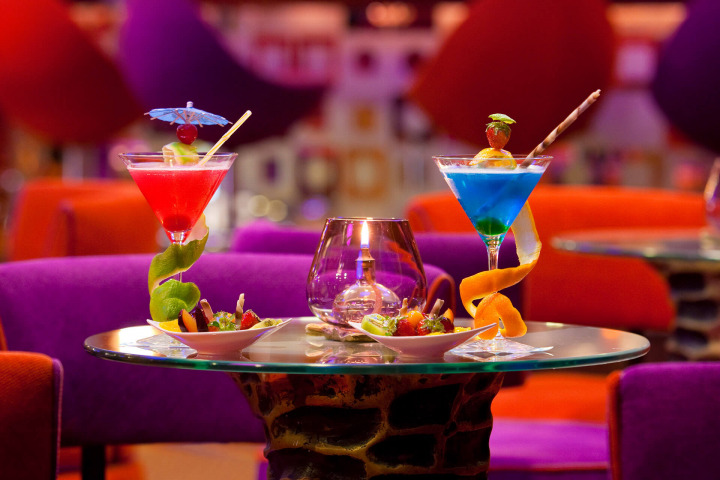 Start or end your evening at chic Bar Salon with a tasty cocktail of your choice